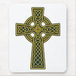 Oro y azul de la cruz céltica alfombrillas de raton