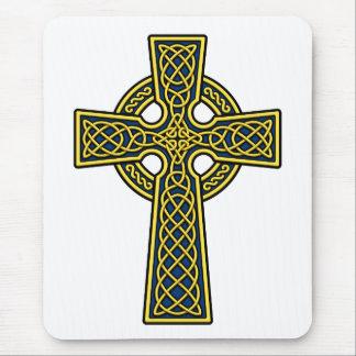 Oro y azul de la cruz céltica tapetes de raton