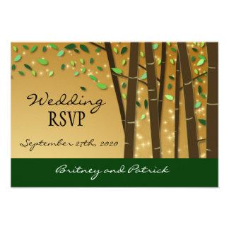 Oro y bosque encantado verde que casan las tarjeta comunicados personalizados