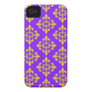 Oro y cajas y cubiertas púrpuras de la flor de lis iPhone 4 carcasas