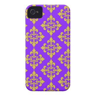 Oro y cajas y cubiertas púrpuras de la flor de lis iPhone 4 Case-Mate cárcasas