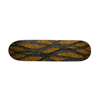 Oro y líneas negras monopatín