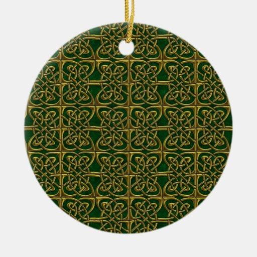Oro y modelo conectado verde del Celtic de los Ornamente De Reyes