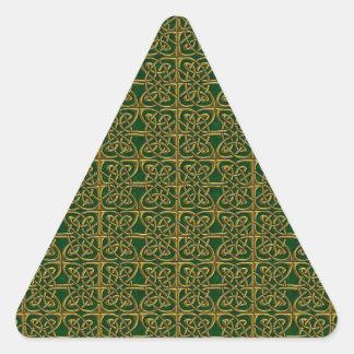 Oro y modelo conectado verde del Celtic de los Pegatina Triangular