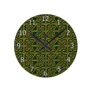 Oro y modelo conectado verde del Celtic de los Reloj Redondo Mediano