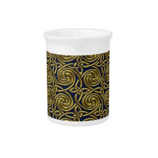 Oro y modelo de nudos espiral céltico azul jarra