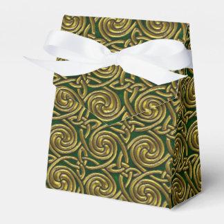 Oro y modelo de nudos espiral céltico del verde caja para regalos
