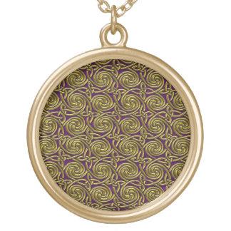 Oro y modelo de nudos espiral céltico púrpura colgante redondo