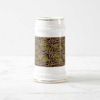 Oro y modelo de nudos espiral céltico púrpura jarra de cerveza