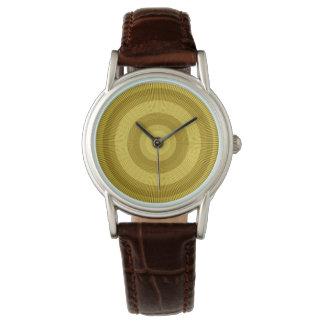 Oro y modelo marrón de los rayos del sol relojes de pulsera