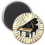 Oro y notas negras de la música del piano de cola imán redondo 5 cm