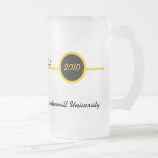 Oro y taza personalizada negro del graduado
