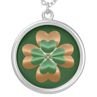 Oro y trébol verde del collar de plata de Irlanda