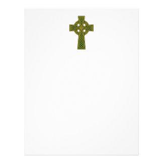 Oro y verde de la cruz céltica plantillas de membrete