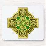 Oro y verde de la manera del Celtic 4 Tapetes De Ratón