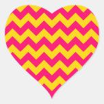 Oro y zigzag rosado brillante pegatina en forma de corazón