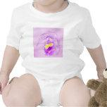 Orquídea del rosa en colores pastel camiseta