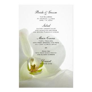 Orquídea en el menú blanco del boda papeleria de diseño