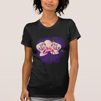 Orquídea púrpura y poner crema manchada acuarela camisetas