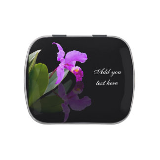 Orquídea reflejada en el texto negro, adaptable latas de caramelos