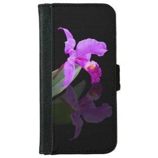 Orquídea reflejada en floral negro funda cartera para iPhone 6