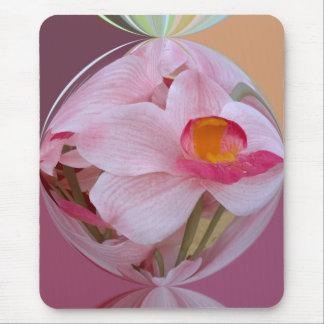 Orquídea rosada suave resumida alfombrillas de ratón