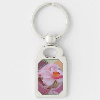 Orquídea rosada suave resumida llavero plateado rectangular