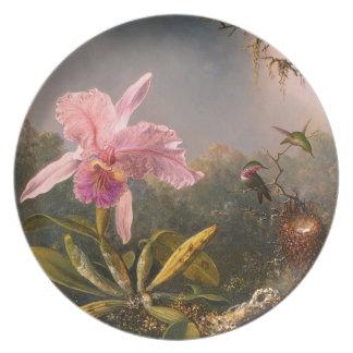 Orquídea rosada y tres colibríes plato para fiesta