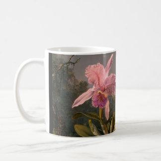 Orquídea y tres pájaros brasileños del tarareo taza de café