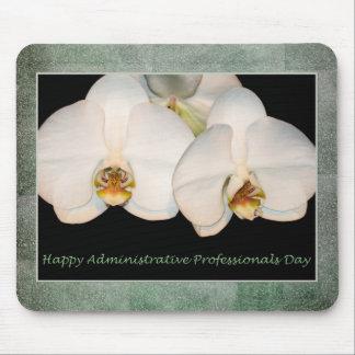 Orquídeas administrativas felices del blanco de lo alfombrilla de ratón