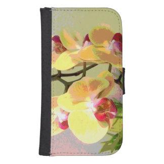 Orquídeas amarillas en el sol de la tarde funda billetera para teléfono