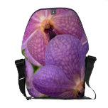 Orquídeas magentas mágicas aterciopeladas bolsas messenger