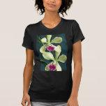 Orquídeas púrpuras y verdes camiseta