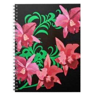 Orquídeas rojas del fondo negro libro de apuntes con espiral