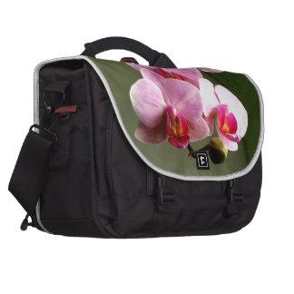 Orquídeas rosadas bolsas para portatil