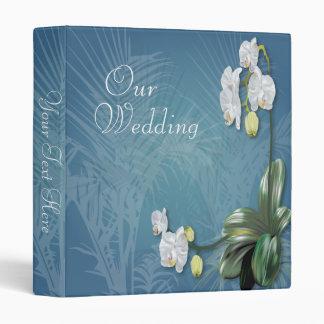 Orquídeas y helechos que casan el álbum de foto