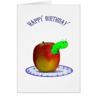 Oruga verde, y manzana roja, feliz cumpleaños tarjeta de felicitación