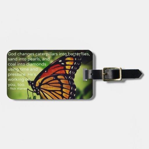 Orugas en mariposas etiqueta de maleta