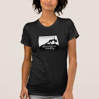 Oscilado por la camiseta de las mujeres
