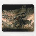 Oscile la pintura de un animal de cuernos, c.17000 mouse pad