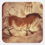 Oscile la pintura de un caballo, c.17000 A.C. Pegatina Cuadrada
