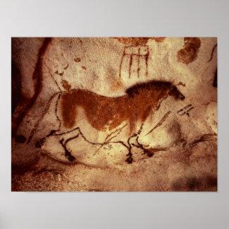 Oscile la pintura de un caballo, c.17000 A.C. Póster
