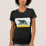 Oscuridad de la bandera de Oakland (atletismo) Camisetas