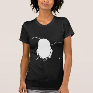 Oscuridad de la cucaracha camisetas