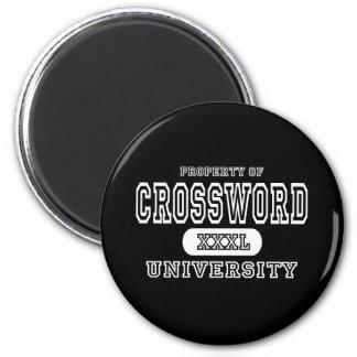 Oscuridad de la universidad del crucigrama imán redondo 5 cm
