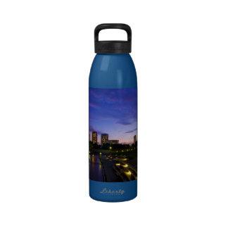 Oscuridad del puerto de la bahía de Japón de la ci Botella De Agua