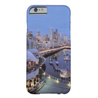Oscuridad en el puerto de Bell en Seattle, Funda De iPhone 6 Barely There