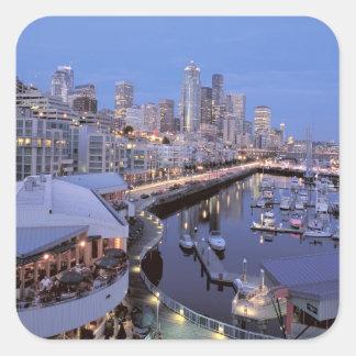 Oscuridad en el puerto de Bell en Seattle, Pegatina Cuadrada