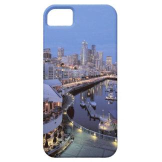 Oscuridad en el puerto de Bell en Seattle, Washing iPhone 5 Carcasas