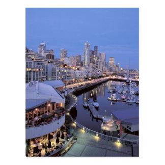Oscuridad en el puerto de Bell en Seattle, Washing Tarjeta Postal